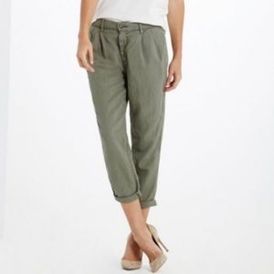 AG The Evan Relaxed Pleated Trouser olive green
